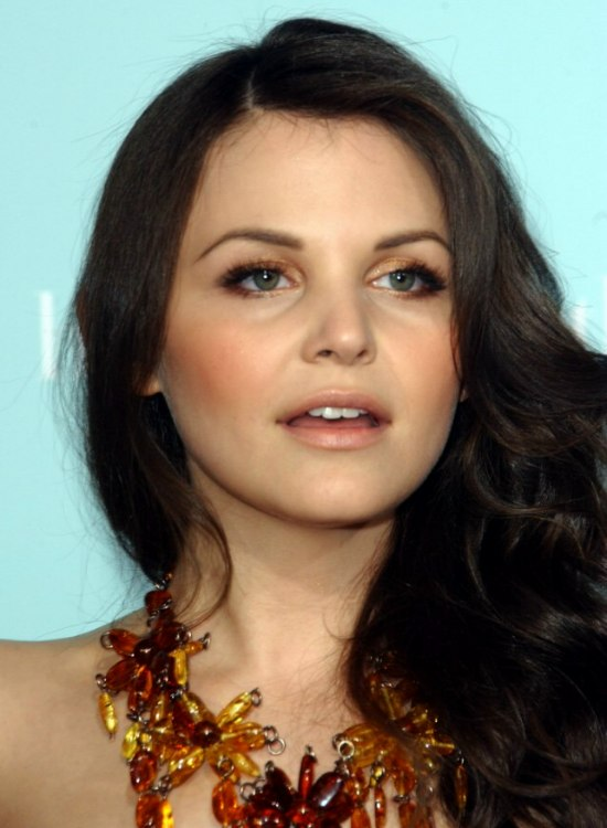 Ginnifer Goodwin Long Hair With Waves And Curls That