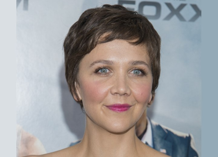 Pixie with short bangs - Maggie Gyllenhaal