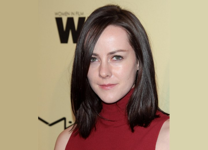 Jena Malone - Mid-length hairstyle for a long forehead