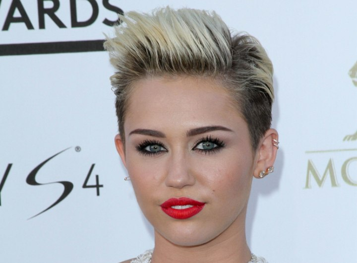 Very short hairstyle with buzz cut sides - Miley Cyrus