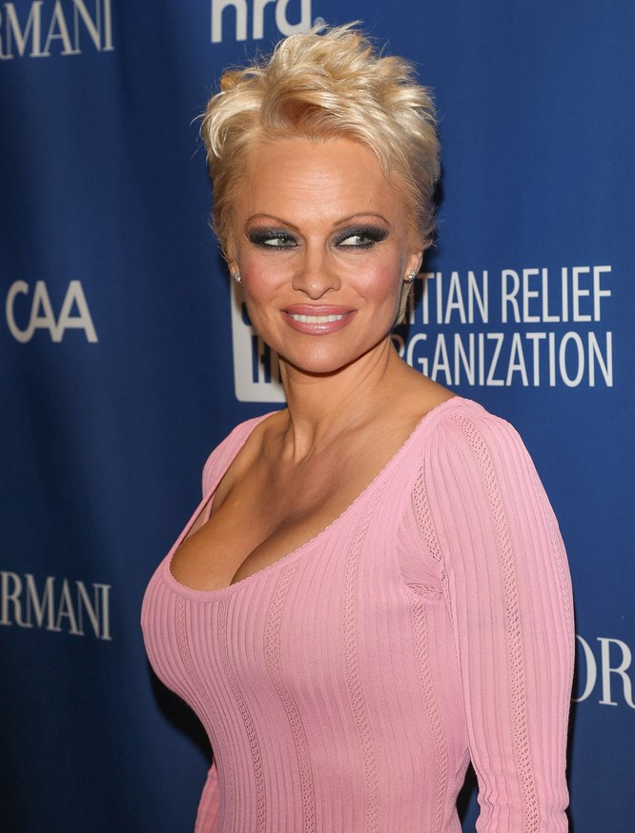 Pamela Anderson Super Short Pixie Haircut For Blonde Hair
