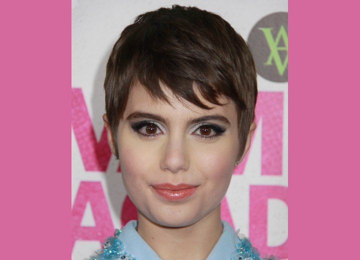 Sami Gayle - Pixie hairstyle with pieced bangs