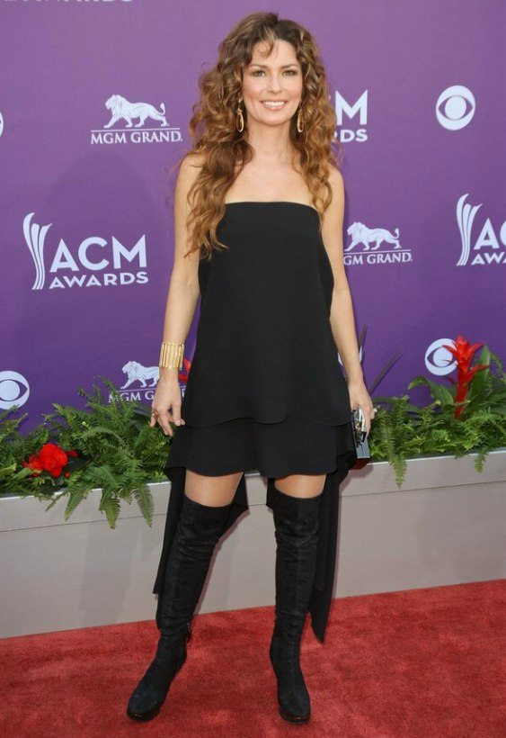Shania Twain In Her Late Forties Long Hairstyle With