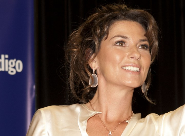 Shania Twain - Hairstyle with hair loosely pulled back