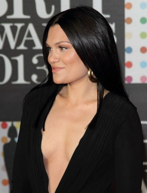 Jessie J with sleek long hair | Hair that looks extremely ...