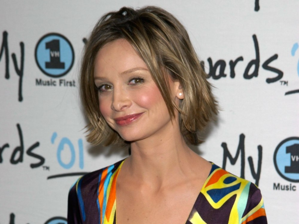 Calista Flockhart Short Hairstyle That Takes Years Off The Appearance