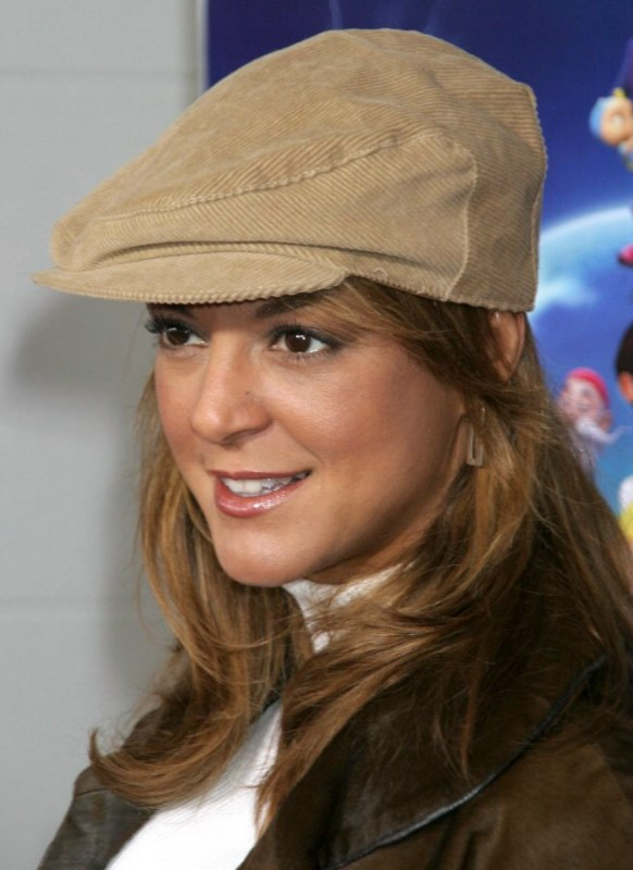 Eva Larue Wearing A Hat Casual Past The Shoulders Hair
