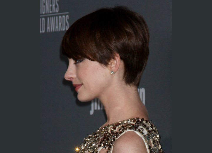 Side view of Anne Hathaway's short pixie haircut