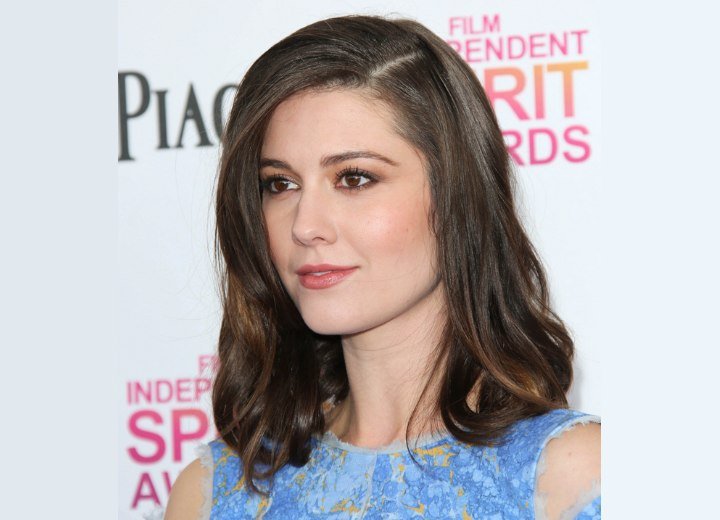 Mary Elizabeth Winstead - Simple and elegant hairstyle with loose whimsical waves