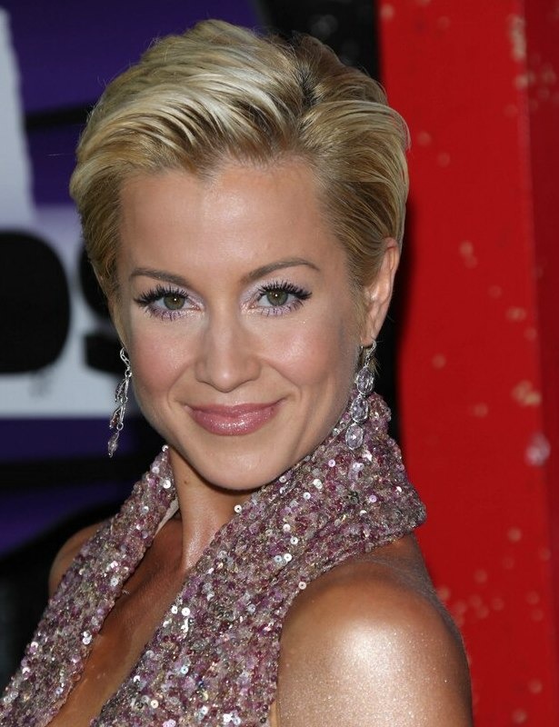 Outstanding Kellie Pickler39S Pixie Short And Simple Slicked Back Hairstyle Short Hairstyles Gunalazisus