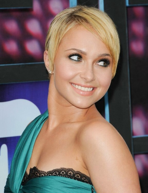Hayden Panettiere Straight Sexy Short Hairstyle With