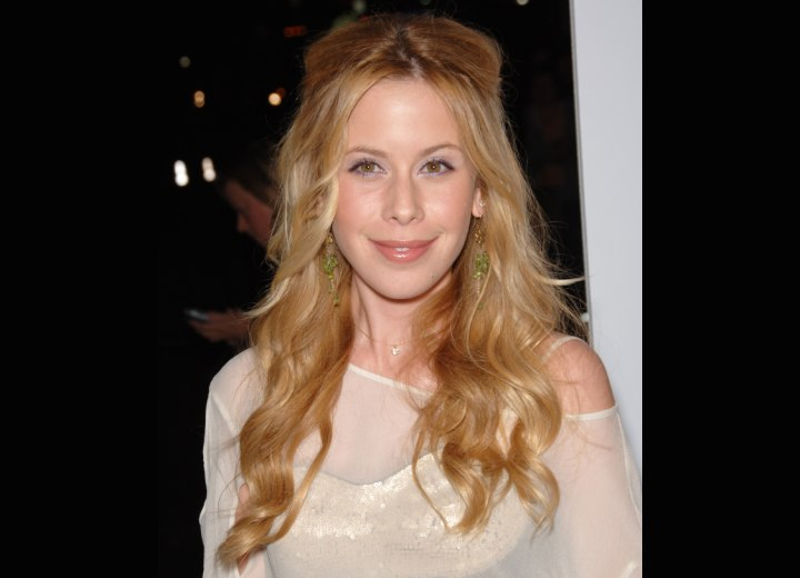 Tara Lipinski - Long angelic hairstyle with curls