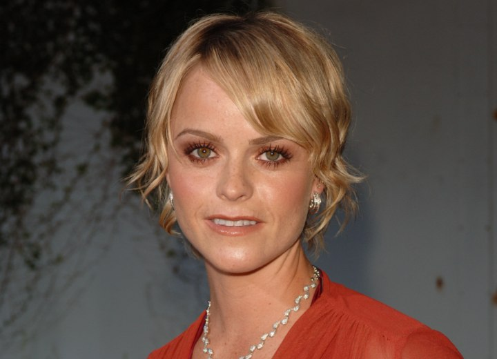Taryn Manning with short Gatsby ara inspired hair