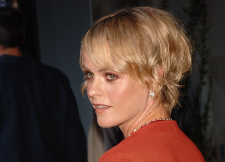 Taryn Manning - Short haircut for fine hair