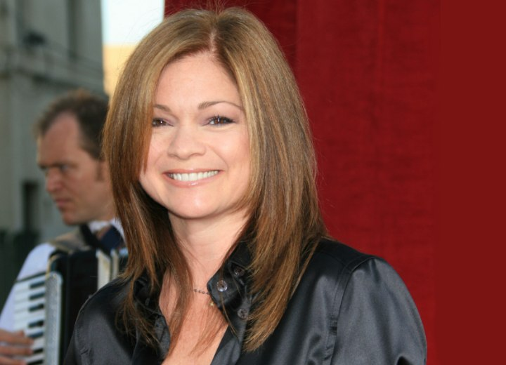 valerie bertinelli midlength haircut for an over 40