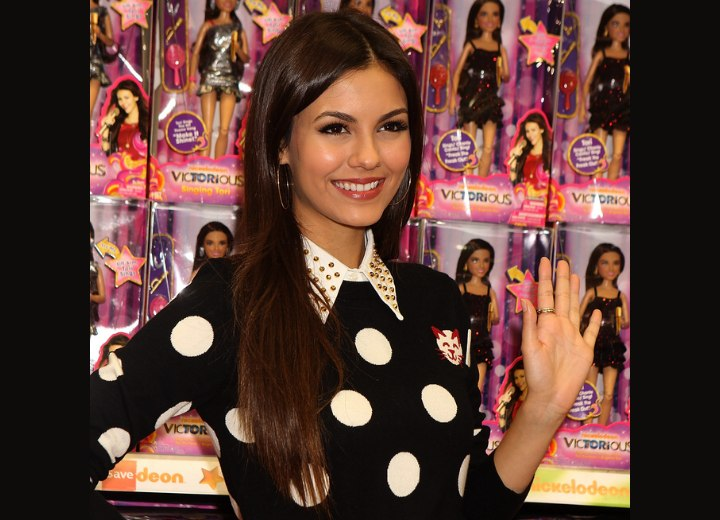 Victoria Justice with healthy and shiny long hair