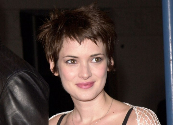 Winona Ryder - Sweet short haircut for a heart shaped face