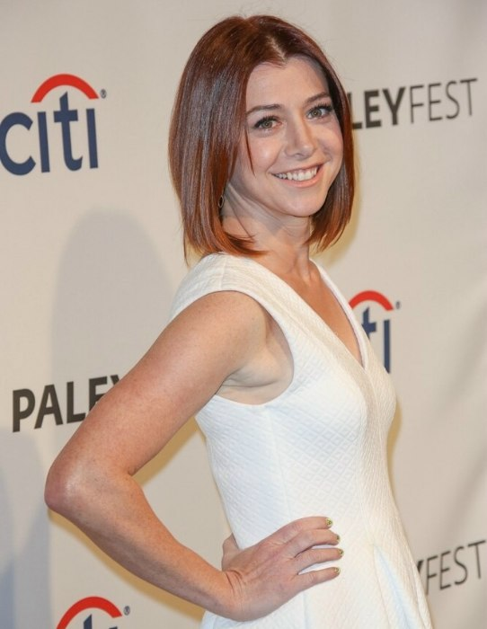 Alyson Hannigan New Bob Haircut That Is Rounded At The