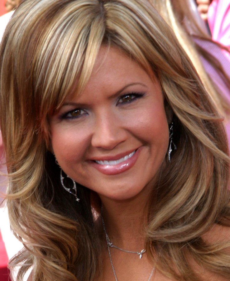 Nancy O Dell With Waves Curls Lowlights And Highlights