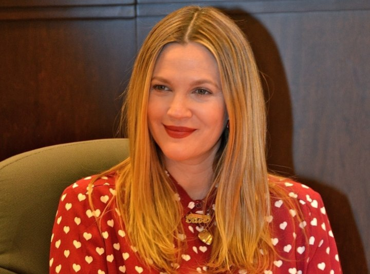 Long hair with chiseled layers - Drew Barrymore