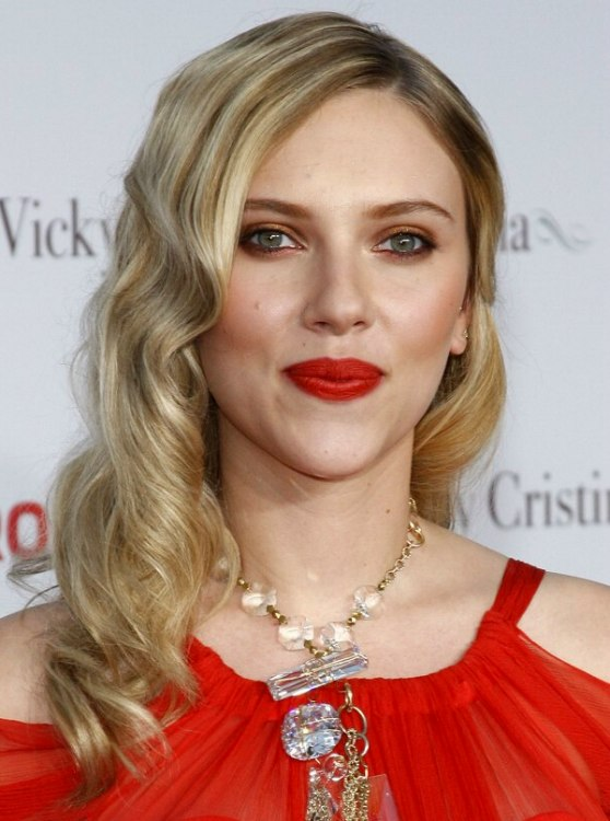 Scarlett Johansson S Long Hair With Finger Waves And