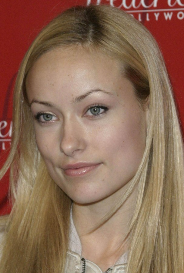 Olivia Wilde Sporting A Natural Look For Her Long Sleek Hair
