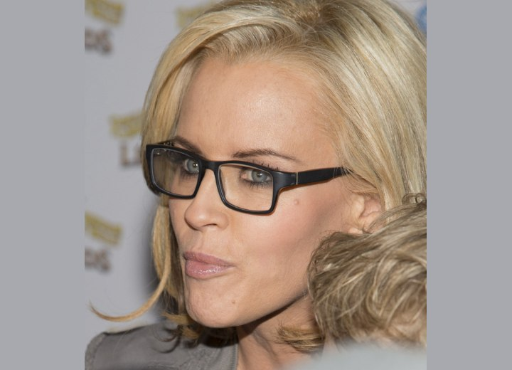 Jenny McCarthy - Hairstyle for women who wear glasses