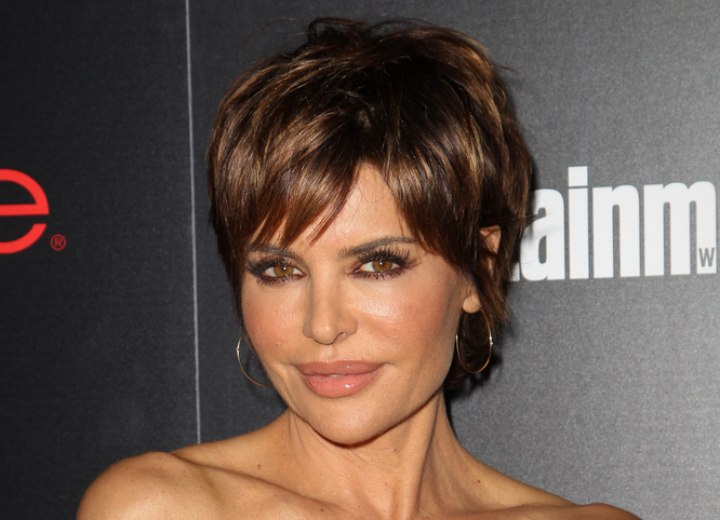 Lisa Rinna - Short hairstyle for a 50 years old lady
