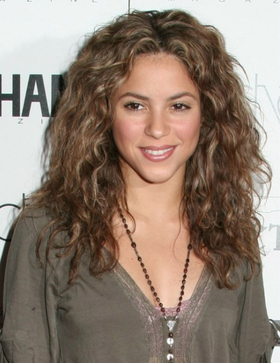 Shakira Wearing Her Hair Long Waves Spiral Curls