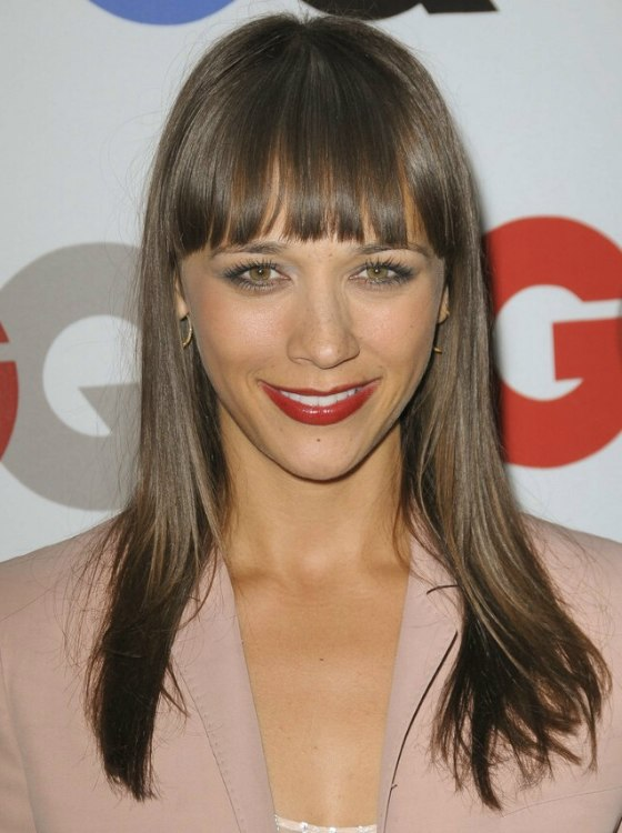 Rashida Jones Wearing Her Hair Long With Bangs That Tip