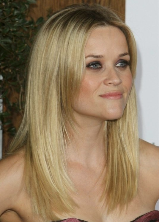 Reese Witherspoon Wearing Her Long Hair Angled Along The Sides