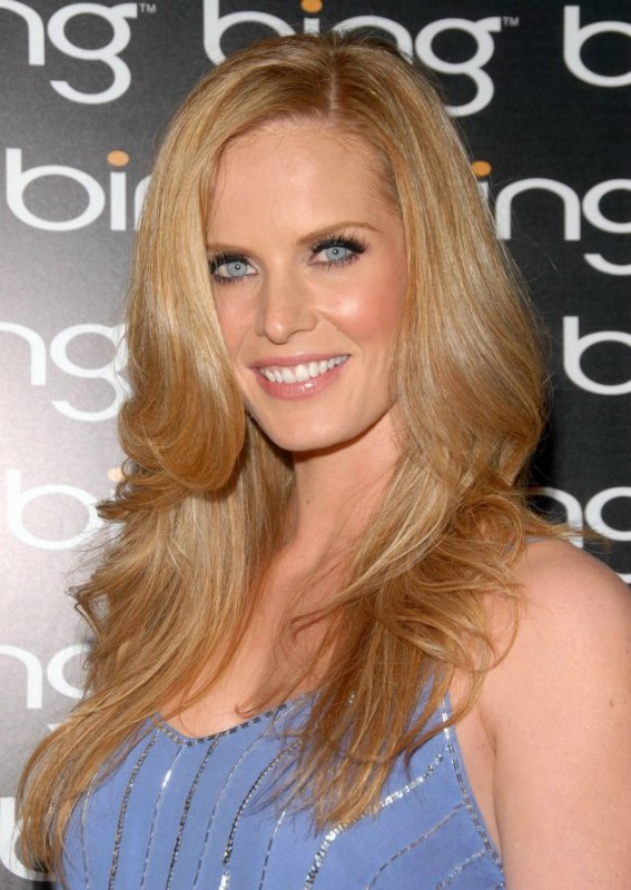 Rebecca Mader Glamorous Long Hairstyle With Layers And A