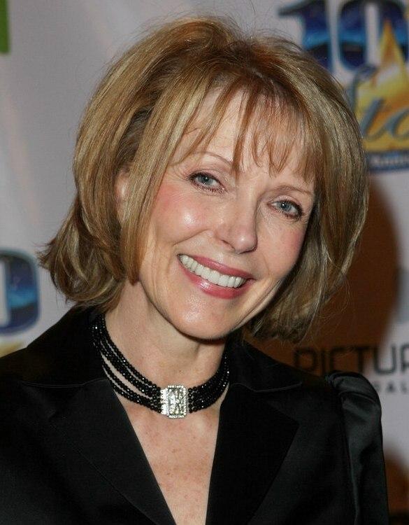 Susan Blakely | Medium length hair that curves around the chin