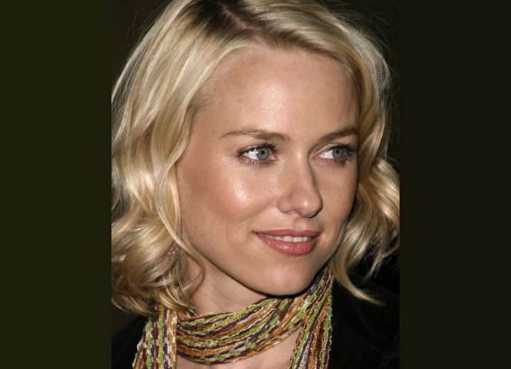 Close up photo of Naomi Watts hair