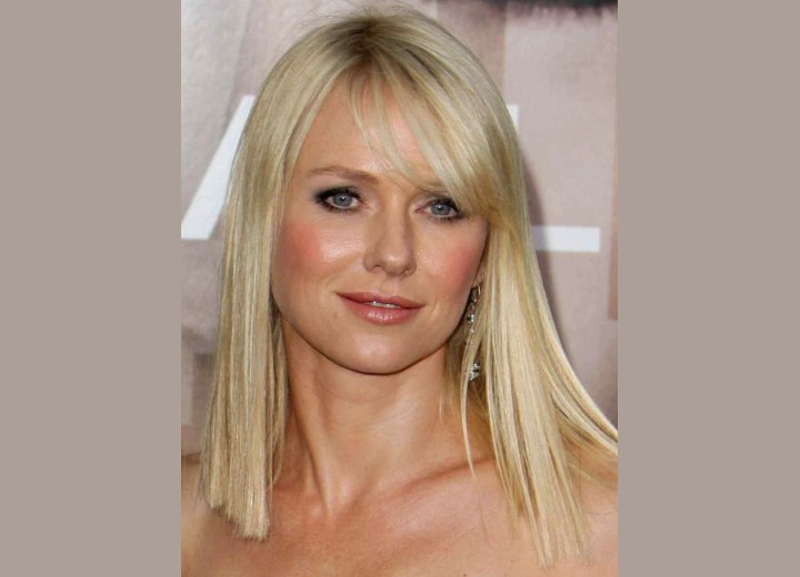 Hairstyle for a long neck - Naomi Watts