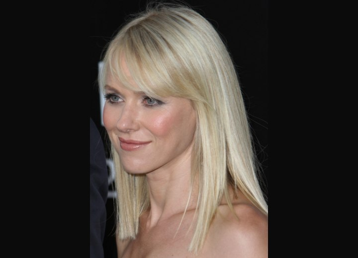 Hairstyle to make hair appear thicker - Naomi Watts