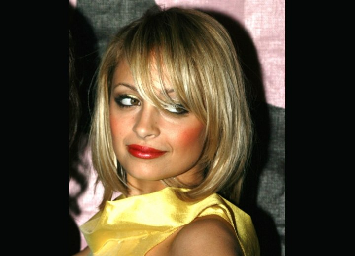 Blonde bob hairstyle with bangs - Nicole Richie