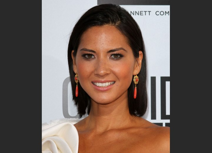 Medium length hairstyle - Olivia Munn