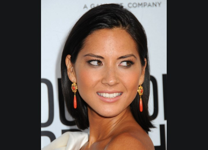 Sleek above the shoulders hairstyle - Olivia Munn