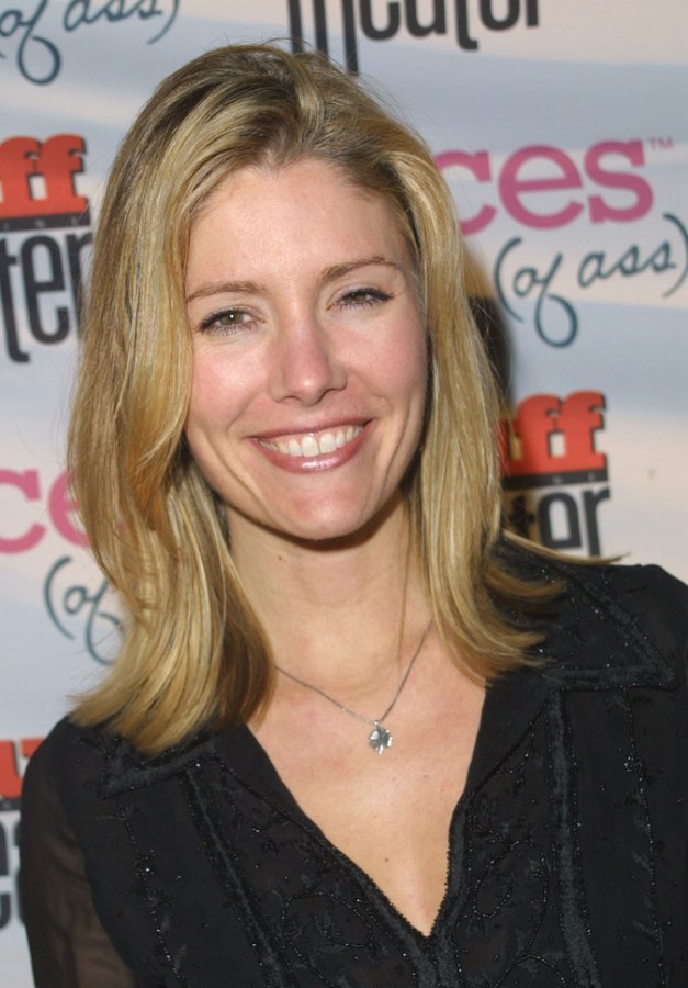 Tava Smiley S Simple One Length Hairstyle And A Razor Cut