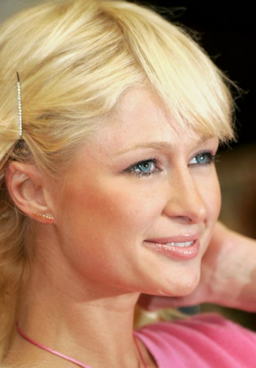 Paris Hilton S Barbie Hairdo With Long Hair And Hair Pins