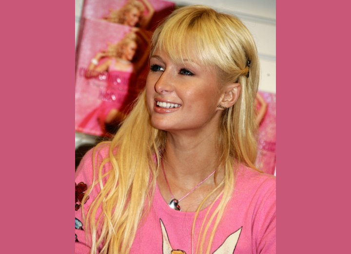 Long vanilla blonde hair - Paris Hilton