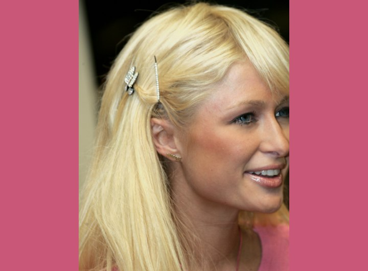 Long hairstyle with hair pins - Paris Hilton