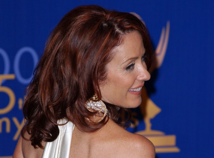 Back view of Patricia Heaton's hair