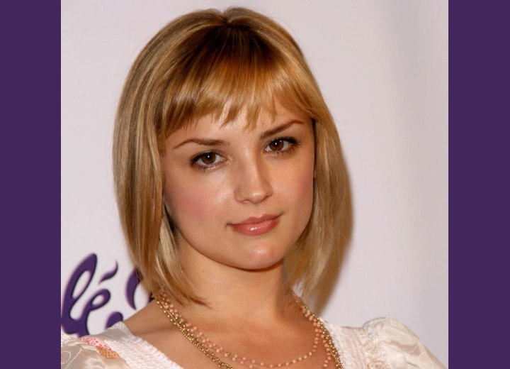 Rachael Leigh Cook - New and shorter bob haircut