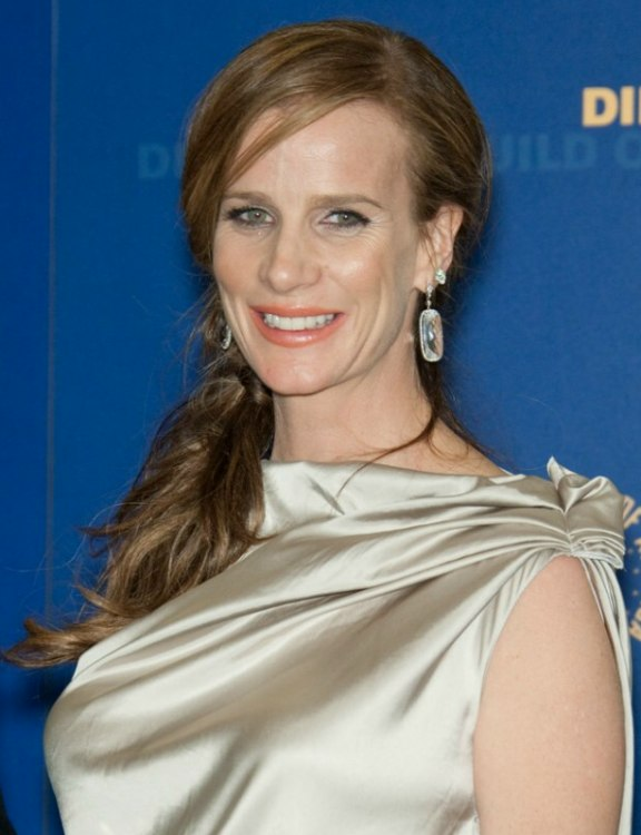 Rachel Griffiths Wearing Her Long Hair Over The Shoulder