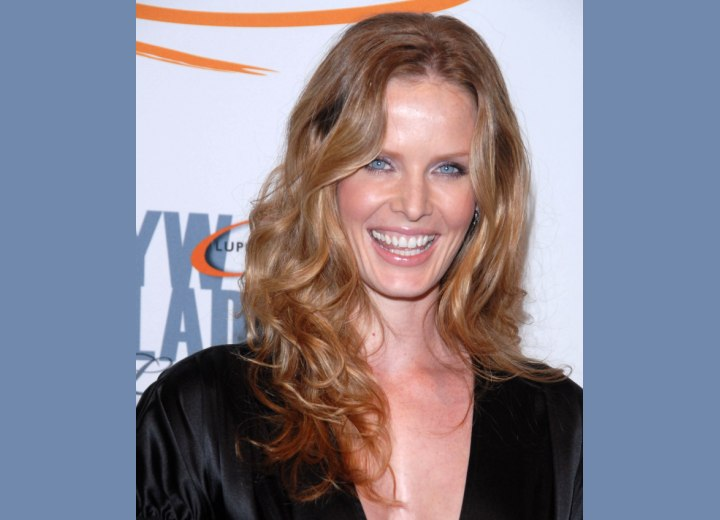 Soft long hairstyle with curls - Rebecca Mader