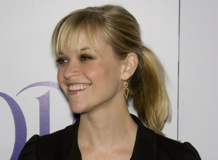 Young and presh ponytail hairstyle - Reese Witherspoon