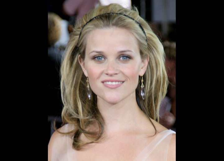 Reese Witherspoon - Long hairstyle with height