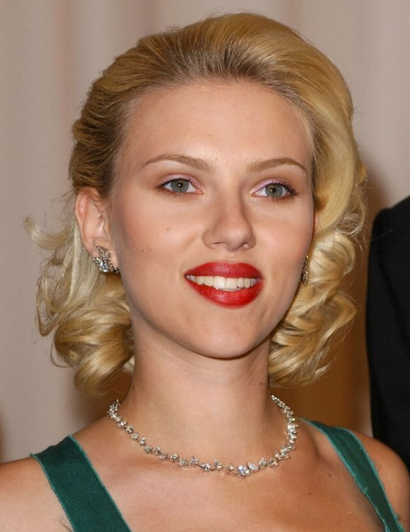 Scarlett Johansson Sporting A Retro Glam Hairstyle And How